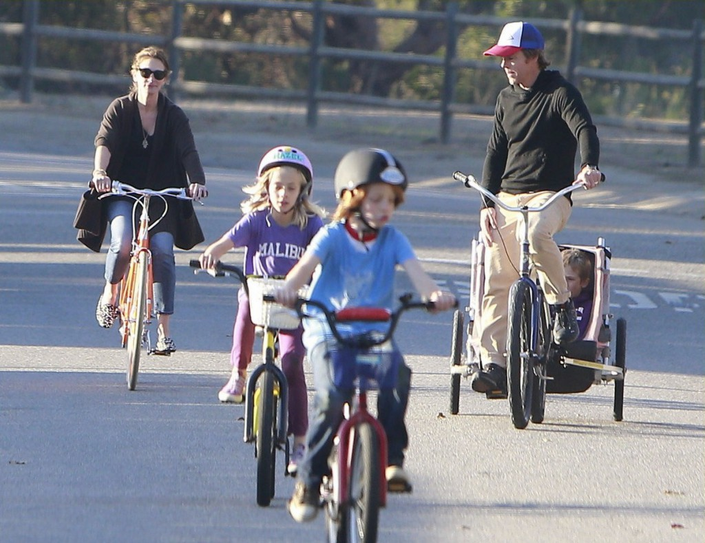 Exclusive... Julia Roberts & Family Out For A Bike Ride In Malibu