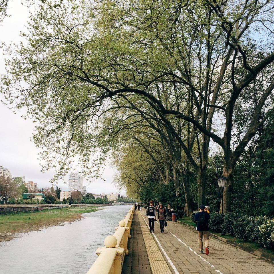 набережная реки