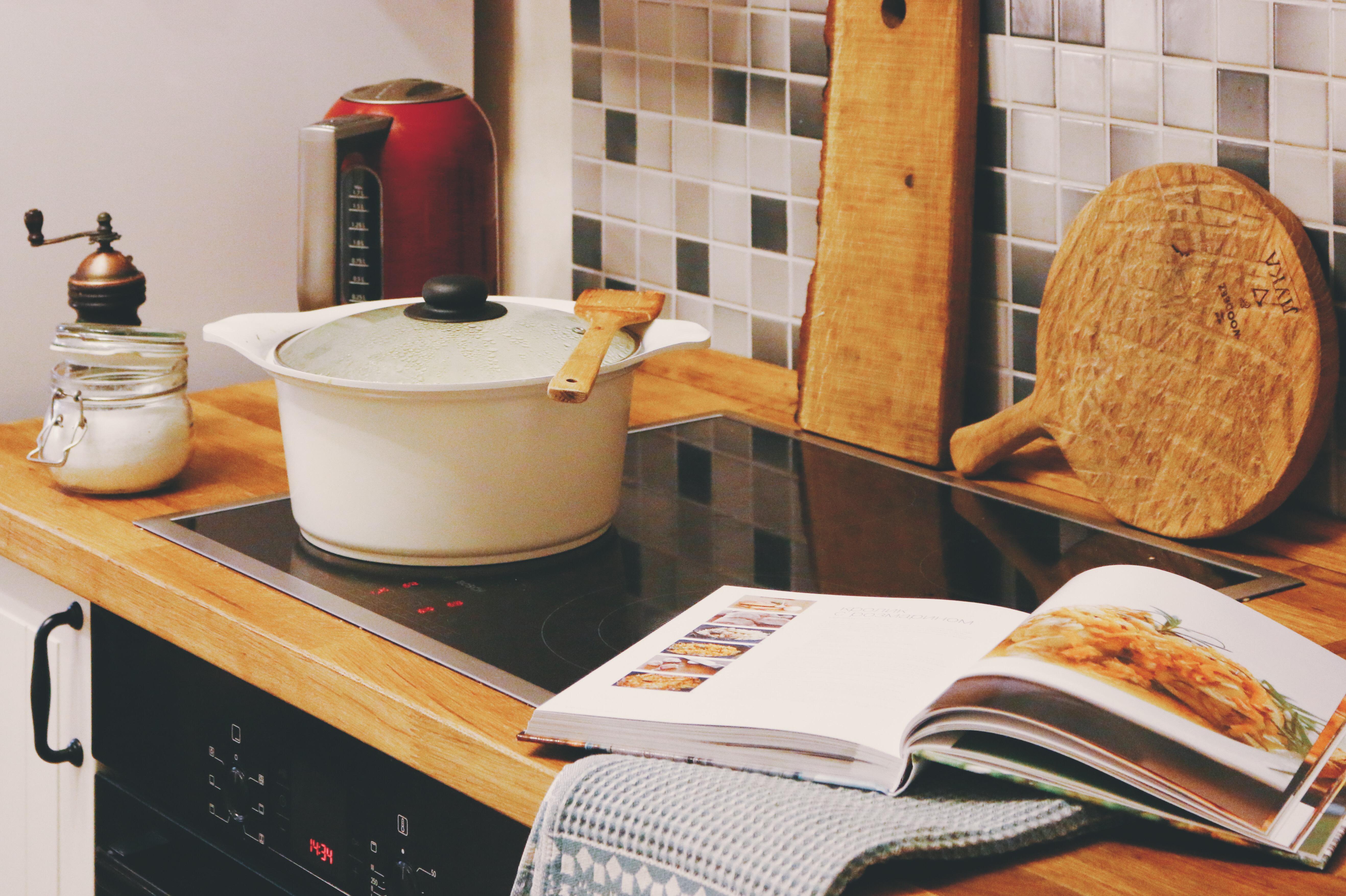О любви к кулинарным книгам, недоверии к микроволновке и других мелочах